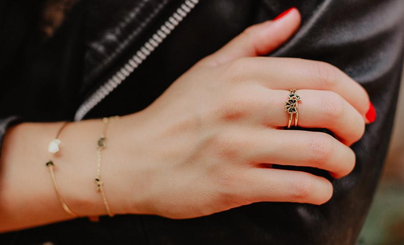 la tatoueuse symboles bijoux precieux audacieuse 2